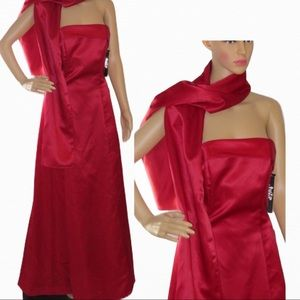 RED Strapless maxi tulle gown New 11-12 w shawl
